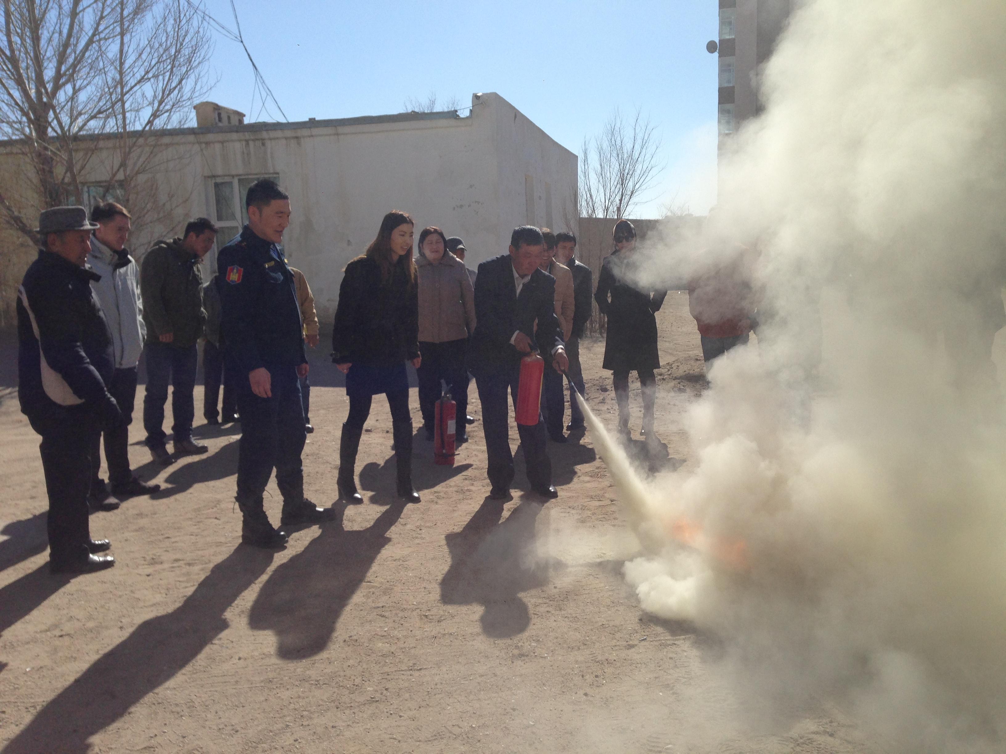 Мэдээлэл холбооны сүлжээ ТӨК-ны ажилчин албан хаагчдад гал түймэр, гамшиг осол, газар хөдлөлт сэдвээр сургалт зохион байгуулав
